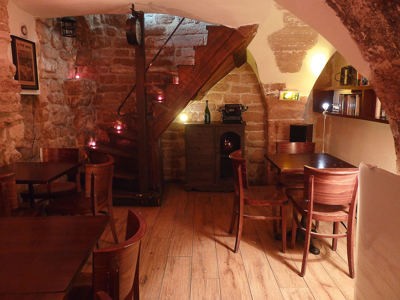taverne-arbre-sec-photo-cave-voutee